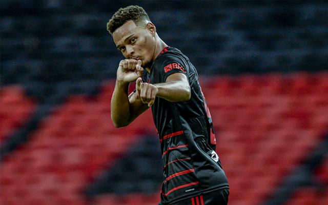 """""""Colocamos em prática no campo"""", Rodrigo Muniz revela conversa com Maurício Souza antes do jogo"""