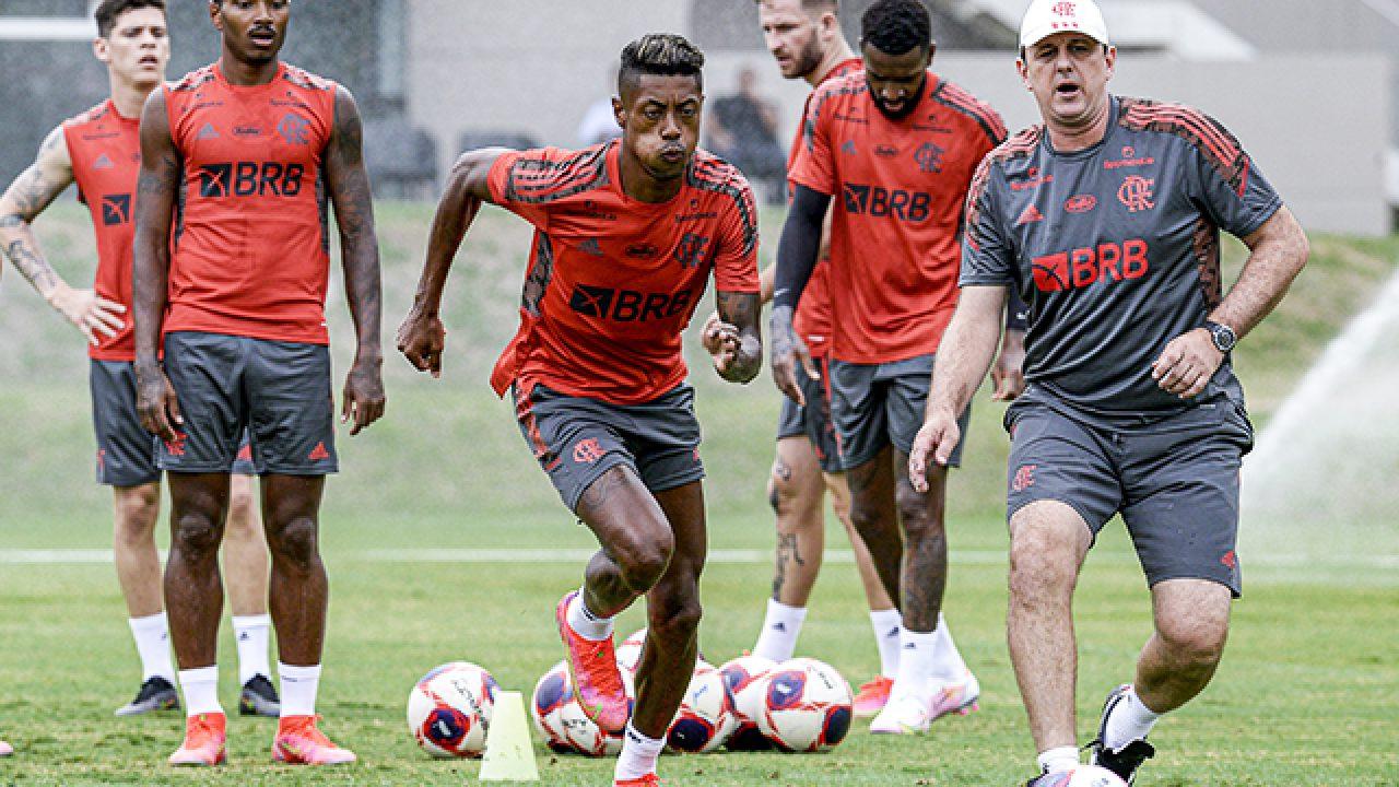 Elenco profissional volta a treinar em dois períodos nesta terça no CT do  Flamengo - Flamengo | Coluna do Fla
