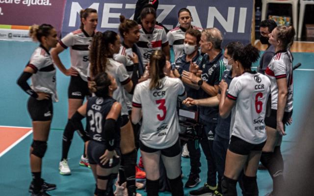 Flamengo perde jogo decisivo para Sesi Bauru e está fora da Superliga Feminina de Vôlei