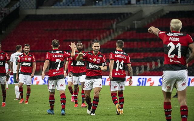 Com preservação de titulares, trio deve ganhar nova chance para ganhar espaço no elenco do Flamengo