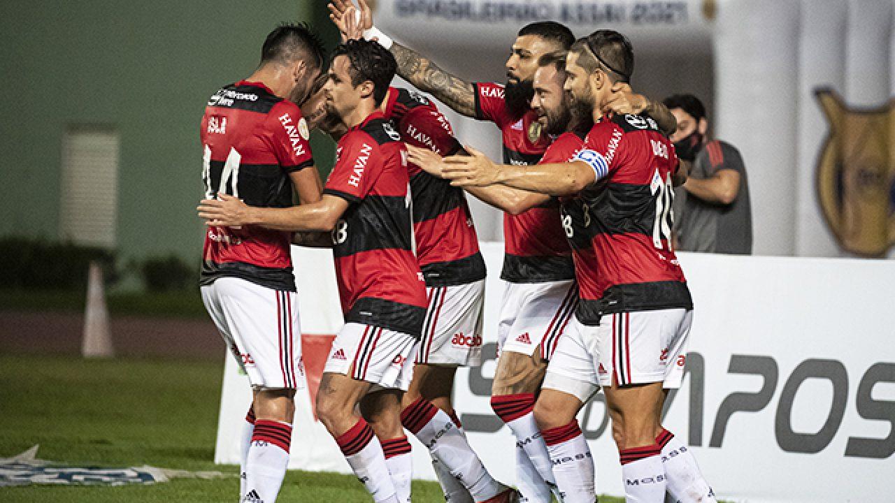 Mengão escalado para o confronto contra o Palmeiras; confira