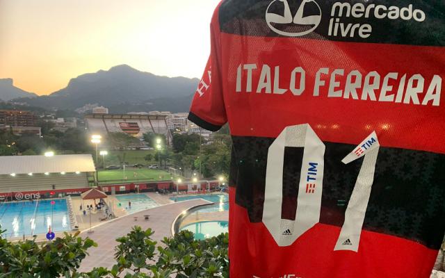 Outro patamar: Ítalo Ferreira se derrete pelo Fla após homenagem do clube