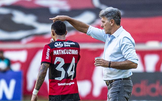 Renato Gaúcho justifica ausência de Isla e não descarta poupar jogadores no jogo contra ABC