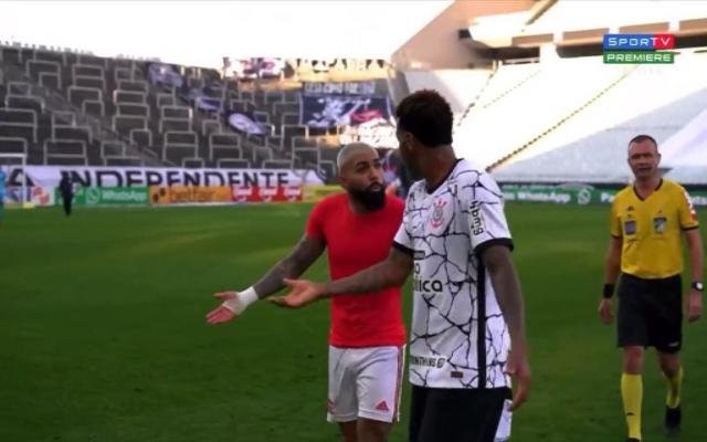 Zagueiro do Corinthians, Gil se irrita com repercussão de discussão com Gabigol