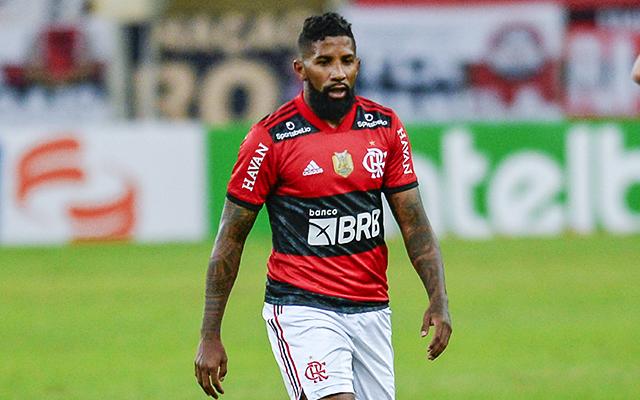 Equipe da Grécia demonstra interesse por Rodinei e Flamengo avalia situação do lateral
