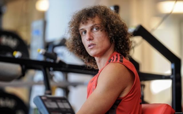 Em dia de jogo, David Luiz treina no Ninho e espera estrear pelo Fla na Libertadores